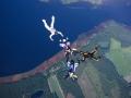 Sky diving im Team auf Extremsport-Welt