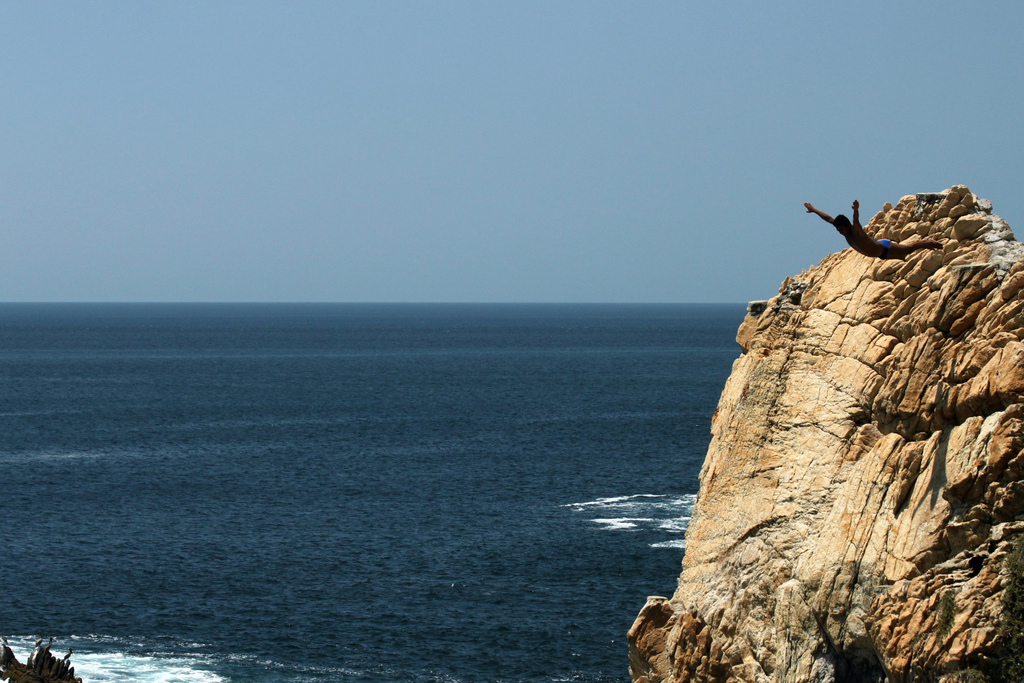 Eine der Extremsportarten: Cliff Diving in Mexiko